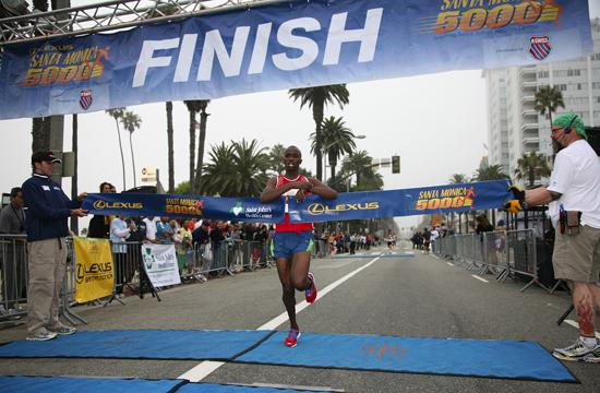 Ugandan Samuel Kosgei wins the men's 10k in 29:06 minutes setting a new 10k course record at the Lexus Santa Monica 5000 on Sunday