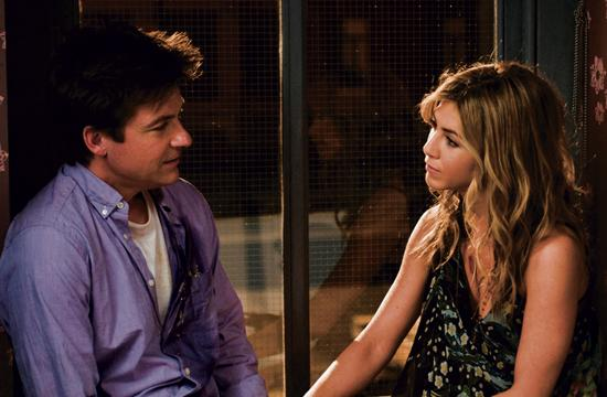 """Jason Bateman as Wally Mars and Jennifer Aniston as Kassie Larson in directors Josh Gordon's and Will Speck's """"The Switch"""" – a romantic comedy."""