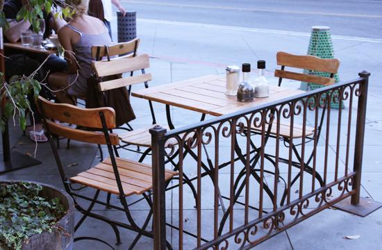 Outdoor patio seating at Le Pain Quotidien at 316 Santa Monica Boulevard