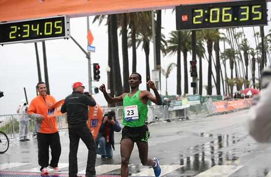 Ethiopian runner Markos Geneti won the Los Angeles Marathon 2011 in a record time of 2 hours