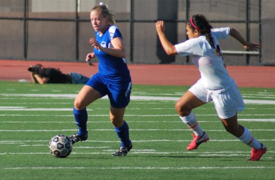 SMC's Sarah Barrington makes her way toward the goal in the Corsairs' 0-0 tie with defending Western State Conference champion LA Pierce at Corsair Field on Tuesday.