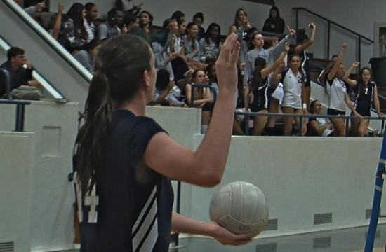 SaMoHi outside hitter Jordan Levy is encouraged by the JV volleyball team for one more point to end the first game of their match against Inglewood on Tuesday.