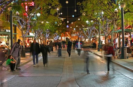 Winterlit returns to Santa Monica on Nov. 13 and will continue throughout the holiday season.