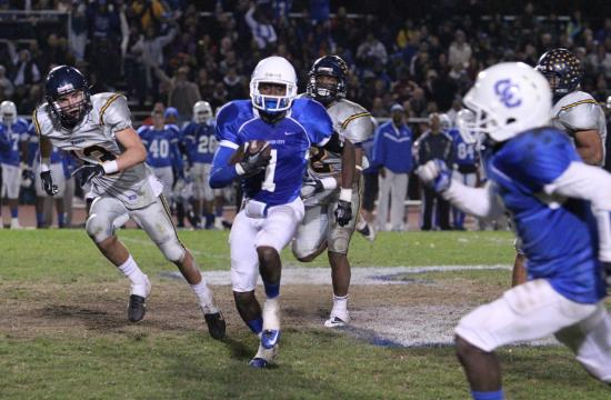 Culver City wide receiver Alex Jackson finds an opening in the Samohi secondary in the Centaurs' 37-6 win over the Vikings on Friday night.
