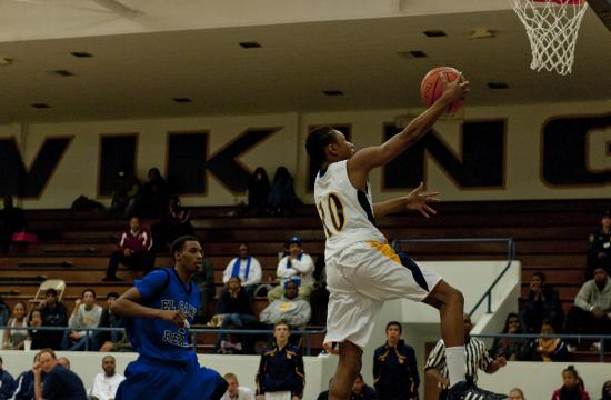 Samohi's Kyle Banks breaks free for his only two points of the night with a third quarter layup.