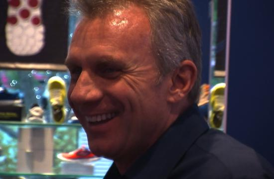 Hall of Fame quarterback Joe Montana came to the Skecher's location on the Third Street Promenade on Wednesday for a meet-and-greet with fans.