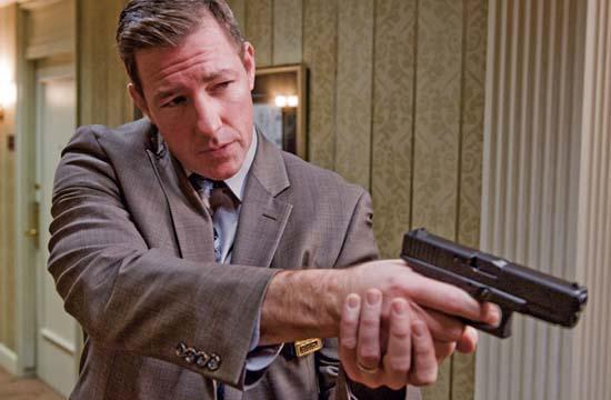 "Edward Burns as Detective Jack Dougherty in ""Man On A Ledge."""