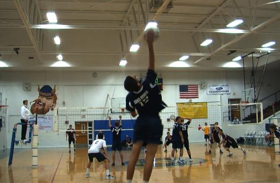 Samohi's Zack Leal serves early in the Vikings' 3-0 sweep of Torrance on Tuesday.