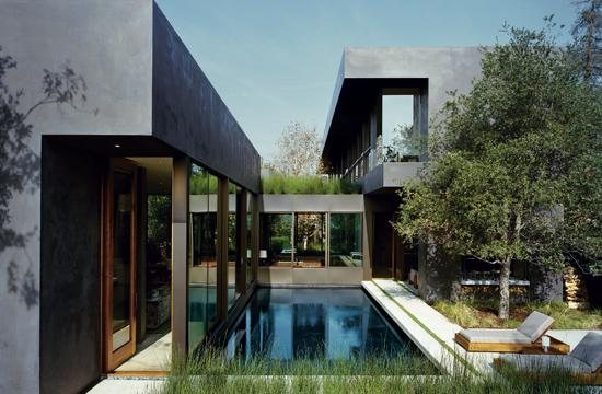 The Venice Garden and Home Tour returns on May 5.  The residence above was designed by Marmol Radziner and the garden was designed by Marmol Radziner's landscape architects.