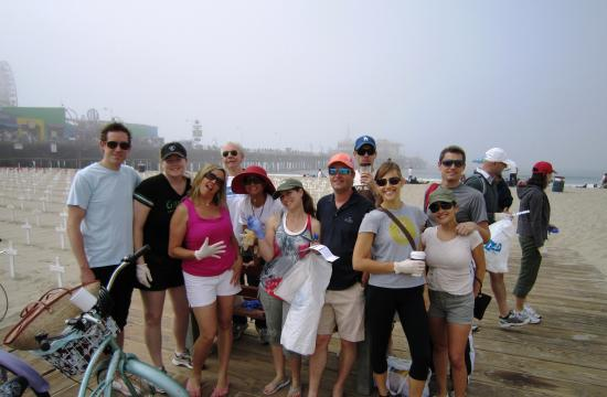 PeBL plans and executes events such as community fundraisers and Santa Monica beach clean-ups.
