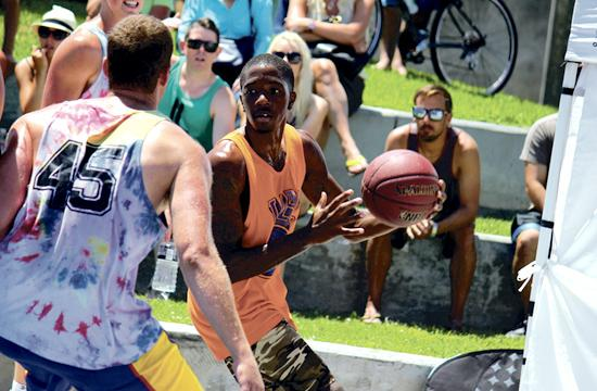 AJ Harris scored 25 points and 10 rebounds as he led the Beach Warriors to victory against Sunblock 65-54 on Sunday.