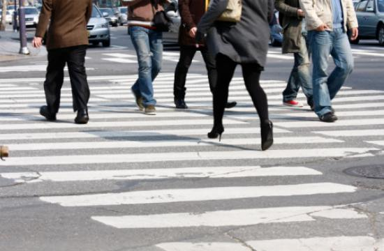 Use crosswalks to avoid a jaywalking citation and increase safety on Santa Monica streets.
