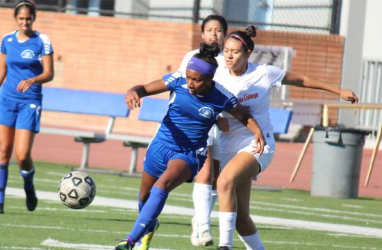 Santa Monica College forward Tylor Fields works her way towards the goal against Glendale College Tuesday afternoon.  Fields scored the first goal of the game in the first minutes of the second half.