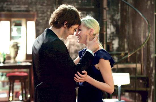 """Jim Sturgess and Kirsten Dunst as star-crossed lovers from two different worlds in Juan Solanas' """"Upside Down."""""""