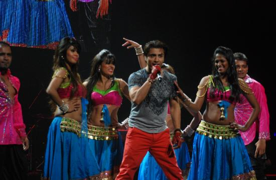 Actor Ali Zafar performed for three hours at L.A. Live's Nokia Theatre to raise money for an eye care facility in India.