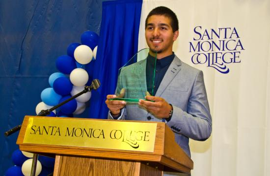 Alfonso Medina named 2013 Student Athlete of the Year