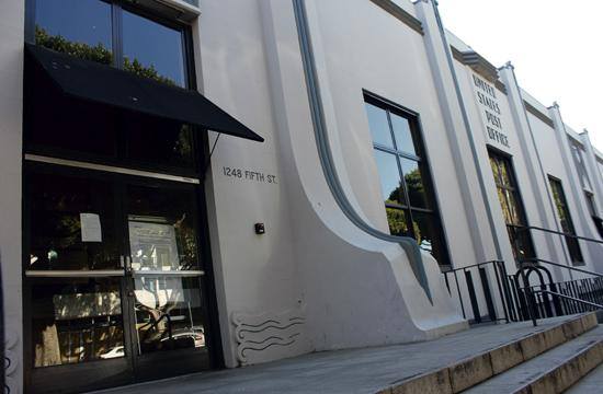 Santa Monica City Council members will discuss the prospect of historically preserving the shuttered Post Office at 1248 Fifth Street.