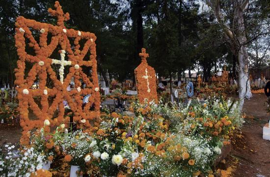 Celebrate Dia de los Muertos this Saturday at Santa Monica's Woodlawn Cemetery.