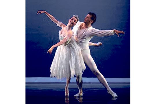 Lucia Connolly as Snow Queen with her Cavalier (Maco Doussias) in Westside Ballet of Santa Monica's 2012 production. Lucia will perform the coveted role of the 'Sugar Plum Fairy' in Westside Ballet of Santa Monica's 2013 production of 'The Nutcracker.'