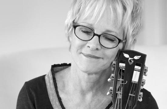 Singer/songwriter Tracy Newman will host the Folkworks Annual Benefit Concert this Saturday.