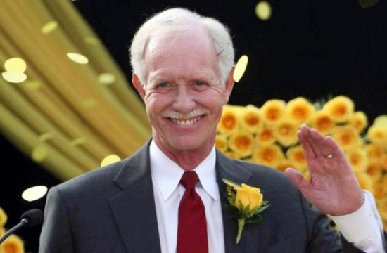 The American Red Cross will honor Sully Sullenberger at The American Red Tie gala in Santa Monica this Saturday.