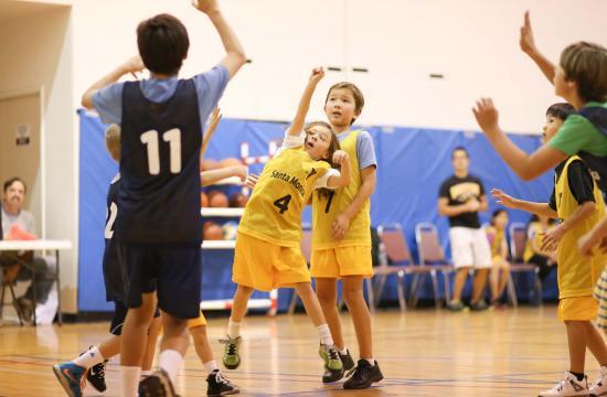 The Santa Monica YMCA Fall 2014 youth basketball league season is approaching.