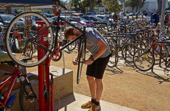 SMC is the first community college in California to be recognized with a bronze designation from the League of American Bicyclists for its bike-friendly campus and culture.