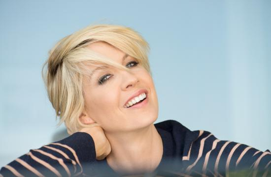 Actress Jenna Elfman will be talking to Santa Monica kids about the impact her classical dance training has had on her life and career.