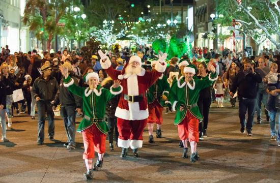 Santa kicked-off the season at Santa Monica Place's Tree Lighting Ceremony held in Center Plaza on Thursday.