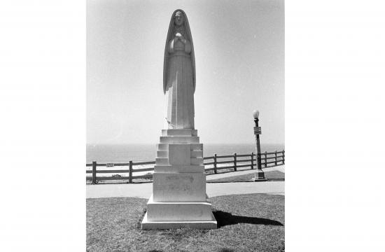 This 18′ high art deco sculpture by Eugene Morahan is located on the bluff at the foot of Wilshire Blvd. It is a statue of Saint Monica
