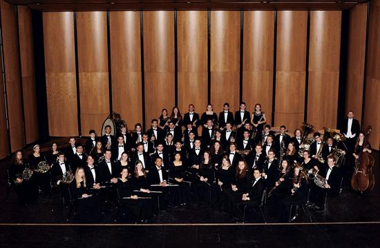 A benefit will be held Tuesday to help Santa Monica High School students' fundraising needs towards their April invitation to perform at the historic Carnegie Hall in New York.