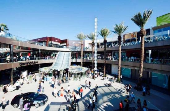 Santa Monica Place's center court.