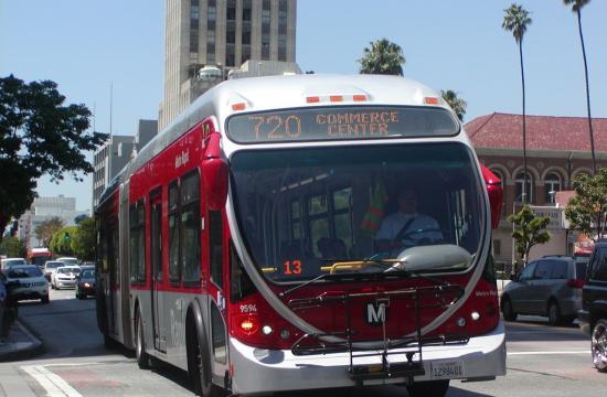 A Wilshire Rapid Line 720 bus.