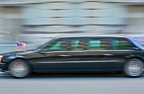 President Obama's motorcade will shut down major streets across Los Angeles.