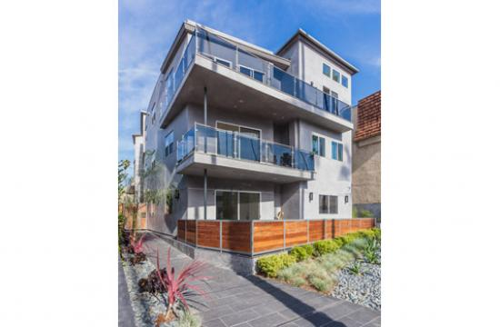 Quantum has secured $14.5 million in financing for a Santa Monica apartment complex.