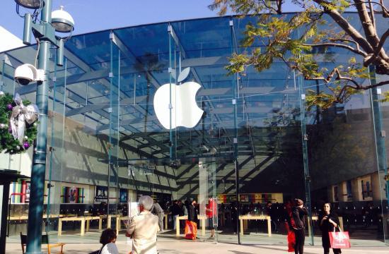 The Apple Store at 1415 3rd Street Promenade in Santa Monica.
