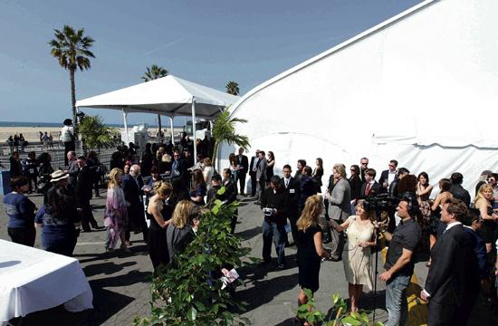 The Independent Spirit Awards will host its show under a tent in the parking lot directly north of Santa Monica Pier in 2016.